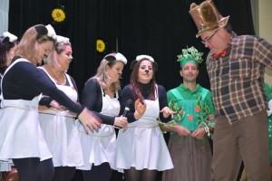 Pais apresentam peças teatrais - Escola Notre Dame Menino Jesus (168)